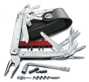 Multitool Victorinox CS Plus